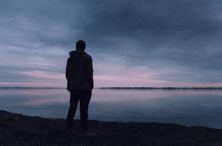 چگونه مردان را دلتنگ و وابسته کنیم؟